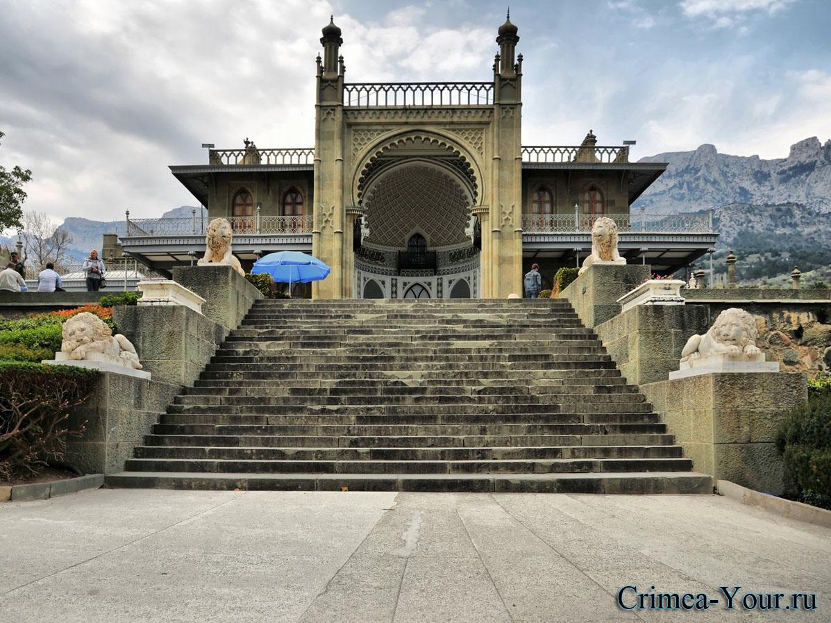 Алупка. Воронцовский дворец, южные терассы