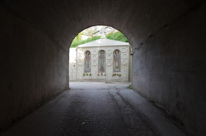 Тоннель к пещерному монастырю Инкермана