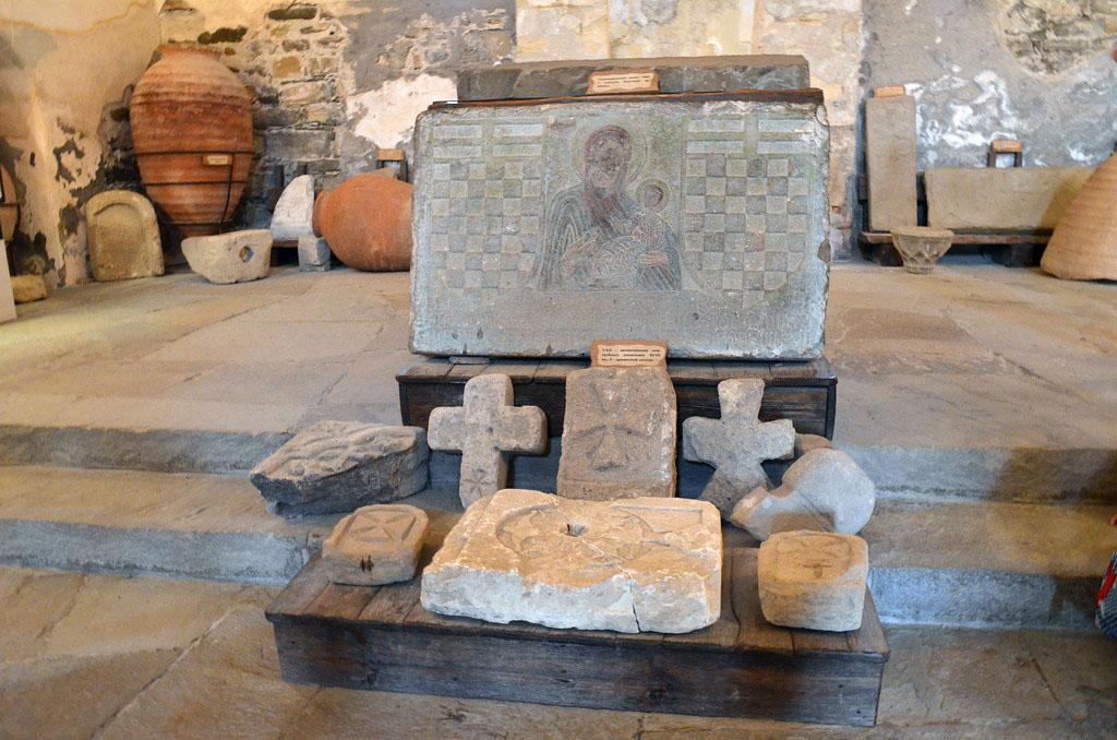 Судак. Археологические находки в музее Генуэзской крепости